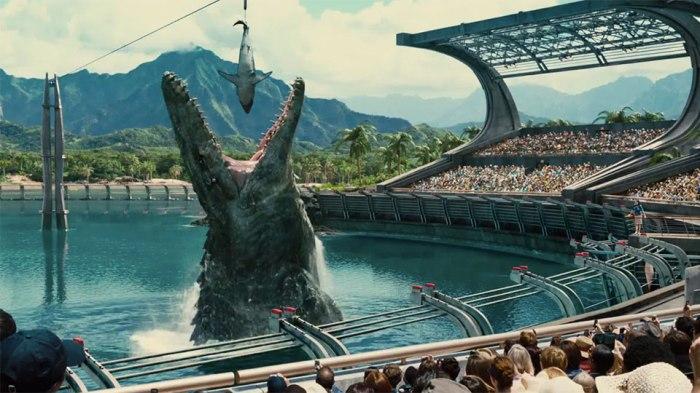 Jurassic World_Still_Similarity-to-Sea-World