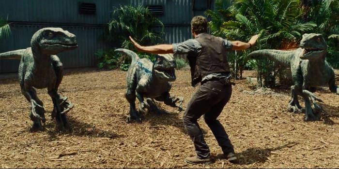 Jurassic World_Still_Pratt-Relationship-with-Raptors.jpg